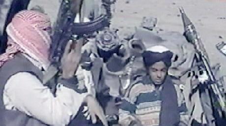 حمزة بن لادن صغيرا