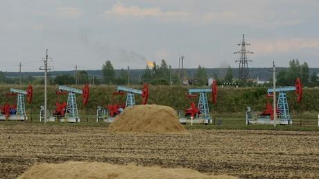 """تطبيقا لاتفاق """"أوبك"""" روسيا تخفض إنتاج النفط"""