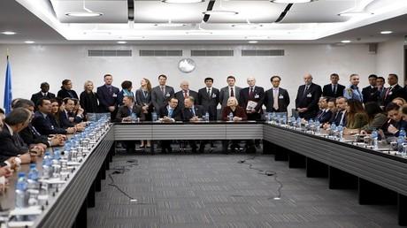 جولة مفاوضات في جنيف بين الرئيس القبرصي نيكوس اناستاسياديس والزعيم القبرصي التركي مصطفى أكينجي 9/1/2017