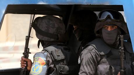 عنصران من شرطة مصر