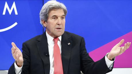 وزير الخارجية الأمريكي جون كيري يحضر منتدى دافوس، 17/01/2017