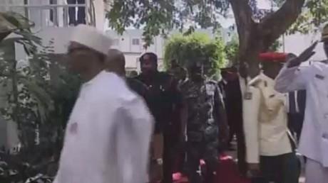 حشود عسكرية إفريقية تأهبا لاجتياح غامبيا
