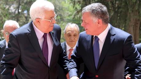 العاهل الأردني يبحث مع الرئيس عباس عملية السلام والقدس