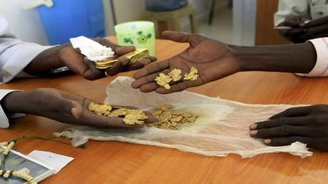 بلد عربي يمتلك احتياطيات ضخمة من الذهب