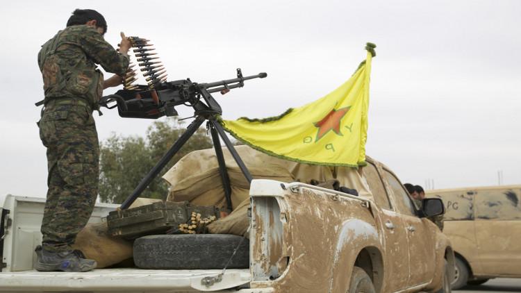 وحدات حماية الشعب الكردي تنفي تسلمها أسلحة نوعية من التحالف الدولي