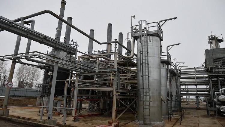 لافروف يبحث أسواق النفط وقضايا استراتيجية في أبوظبي
