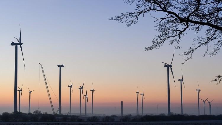 الرياض تطلق أول مشروعين في الطاقة المتجددة