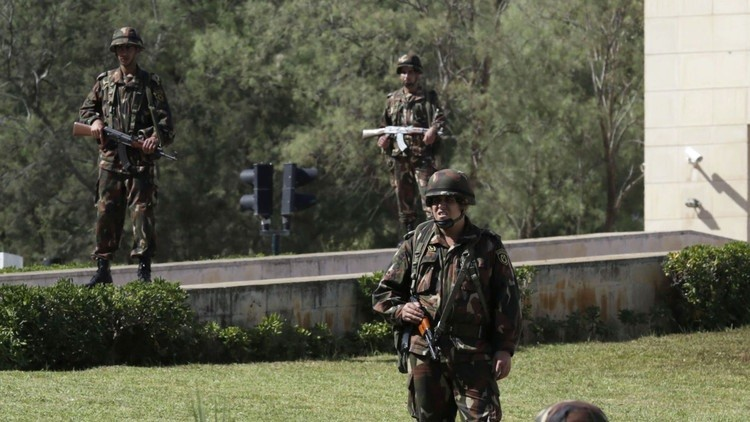 الجيش الجزائري يقضي على 3 مسلحين