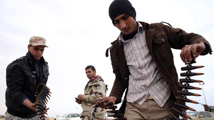 وفد محتالين عرض الأسلحة على الليبيين باسم شويغو!
