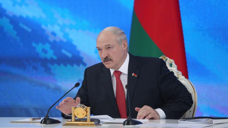 لوكاشينكو: رئيس أوكرانيا يتحمل المسؤولية عن تصعيد الوضع في دونباس