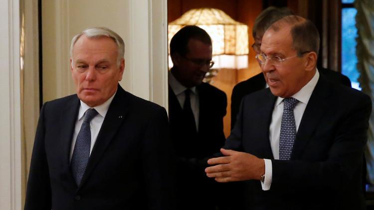 لافروف يبحث مع أيرولت هاتفيا أزمتي سوريا وأوكرانيا