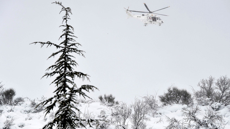 فقدان متزلجين عقب انهيار ثلجي في جبال الألب