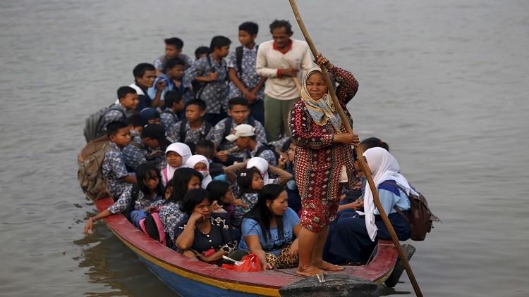 مصرع 7 أشخاص بغرق قارب شرقي إندونيسيا