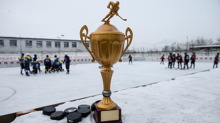 روسيا تفقد لقب بطلة العالم لهوكي الجليد بالكرة