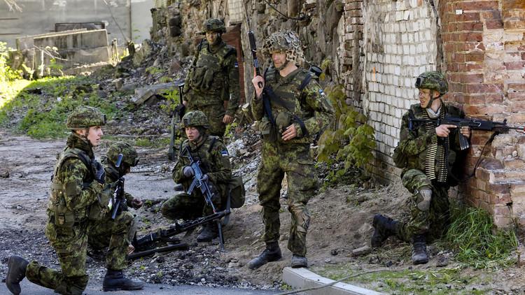 استمرار تقاطر العسكريين الأمريكيين على الحدود الروسية