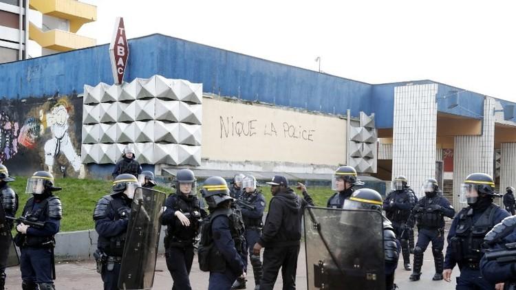 أعمال شغب  قرب باريس احتجاجا على عنف الشرطة