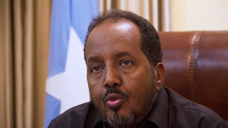 المشرعون الصوماليون ينتخبون الرئيس في المطار