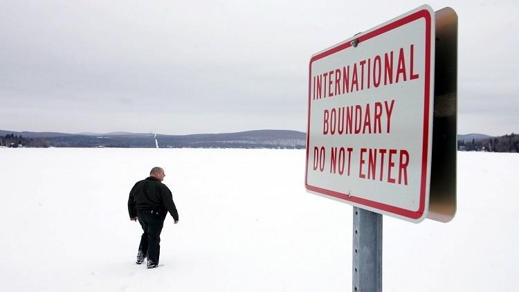 مهاجرون يعبرون مشيا حدود الولايات المتحدة  إلى كندا