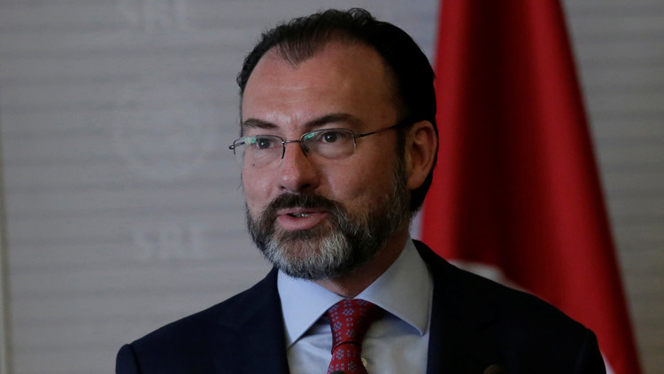 الجدار العازل.. محور لقاء وزيري خارجية المكسيك وأمريكا
