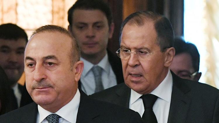 لافروف وأوغلو يبحثان إطلاق مفاوضات سورية