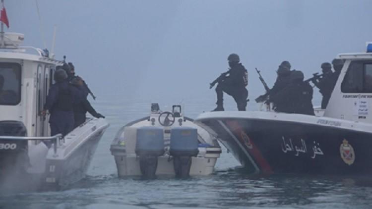 الداخلية البحرينية تنشر فيديو لمطاردة مطلوبين في البحر