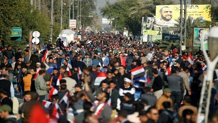 مقتل متظاهر من أنصار الصدر المحتشدين في ساحة التحرير ببغداد