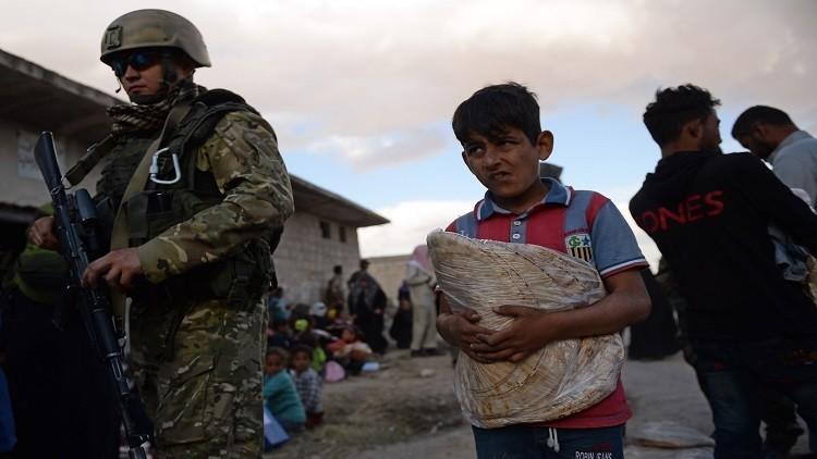 طائرات شحن روسية تلقي بمساعدات إنسانية أممية إلى سكان مدينة دير الزور السورية