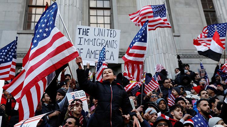 الولايات المتحدة.. تواصل اعتقالات جماعية للمهاجرين