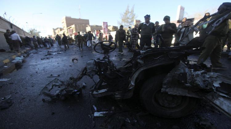 مقتل 3 أشخاص بينهم طفل بعملية انتحارية وسط اليمن
