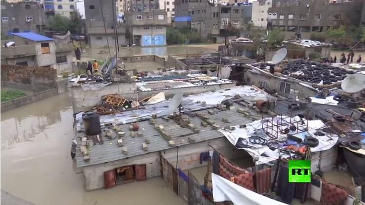 مخيم جبلية للاجئين في غزة يتأثر بفيضان
