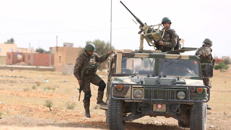 الأمن التونسي يقتل مسلحين قرب الحدود الجزائرية