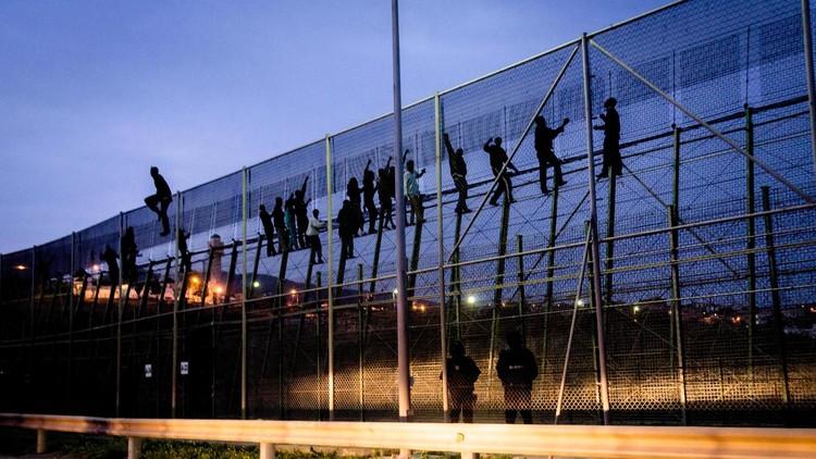 أبواب الهجرة نحو الحلم الأوروبي.. من يوصدها ومن يدفع؟