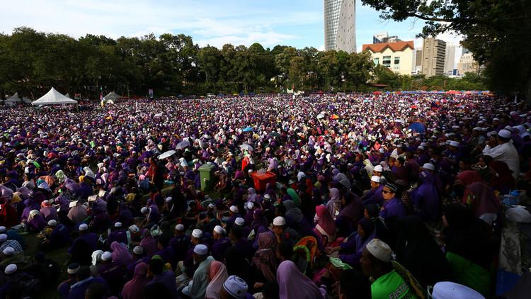 احتشاد الآلاف في كوالالمبور تأييدا لتطبيق الحدود