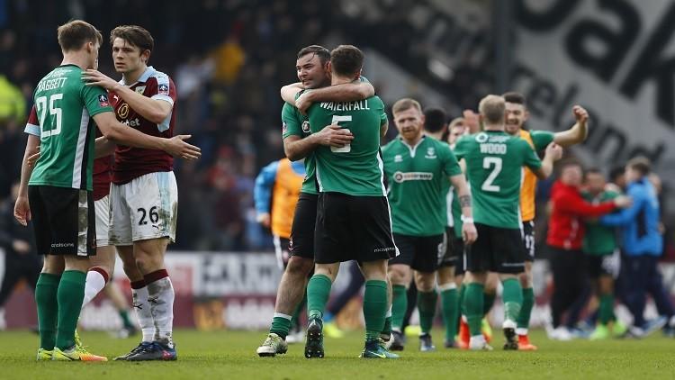 نادي إنجليزي مغمور يحقق إنجازا تاريخيا في مسابقة الكأس