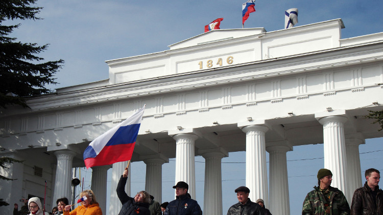 نائب أوكراني يقترح تأجير القرم لروسيا لـ100 عام