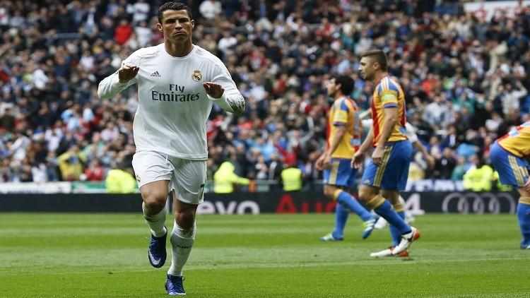 ريال مدريد في مواجهة فالنسيا للابتعاد في الصدارة
