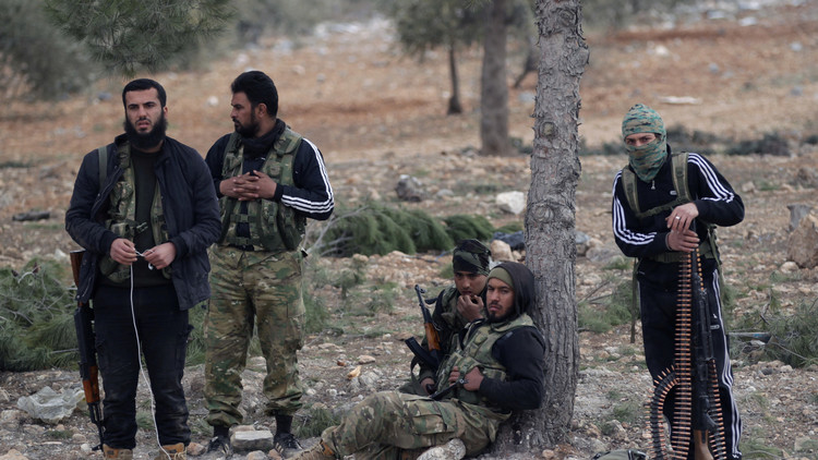 الاستخبارات الأمريكية تجمد مساعداتها للمعارضة السورية