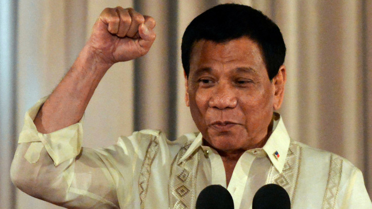 نائبة فلبينية تصف الرئيس دوتيرتي بـ