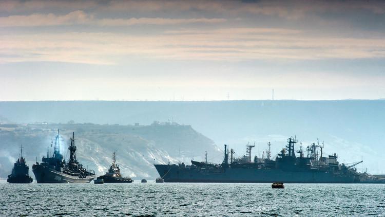 قائد بحري روسي سابق: لن تصمد السفن الأمريكية  أكثر من دقائق إن حصل نزاع