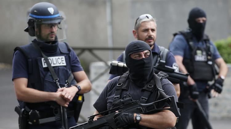 استنفارعناصر مكافحة الإرهاب في فرنسا
