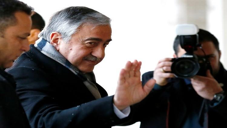 القبارصة الأتراك يعلقون المفاوضات بسبب قرار برلماني