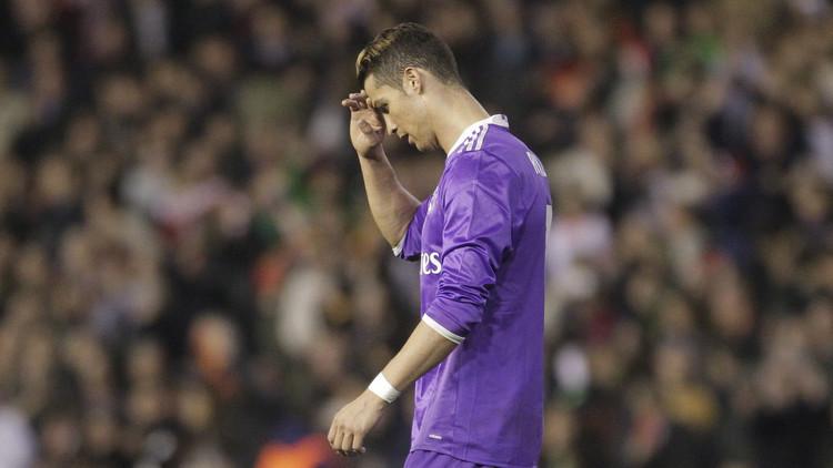رونالدو يصب جام غضبه على أحد زملائه عقب
