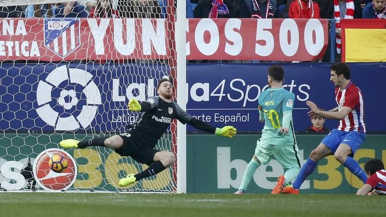 برشلونة يهزم أتلتيكو مدريد في الوقت القاتل