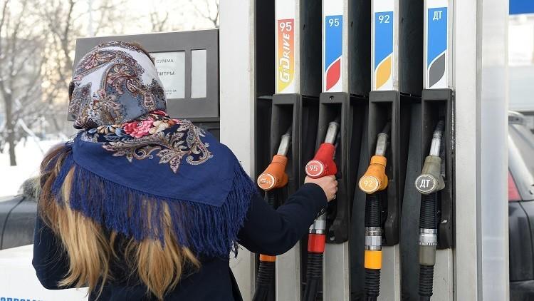 موسكو تتعهد بتسريع وتيرة خفض إنتاج النفط