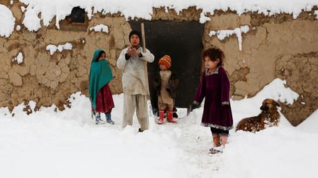 تساقط الثلوج في أفغانستان يؤدي إلى كارثة إنسانية