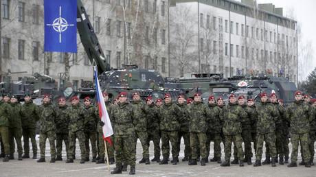 """قوات حلف الناتو في قاعدة """"روكلا"""" العسكرية بلتوانيا"""