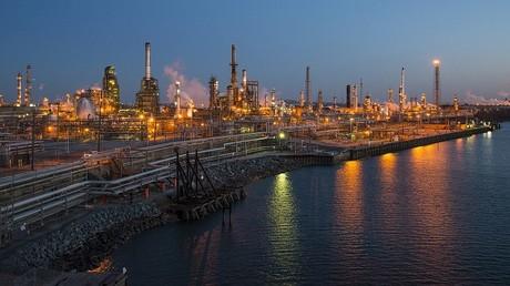 الولايات المتحدة تبيع احتياطي الطوارئ النفطي