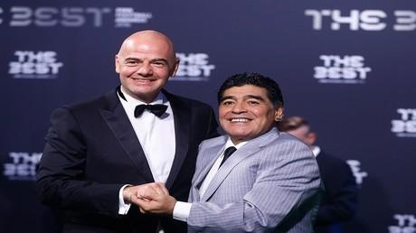 دييغو مارادونا مع جياني انفانتينو