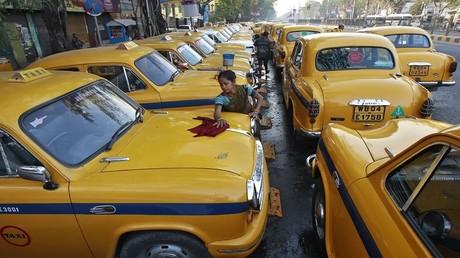 سيارات أجرة من طراز