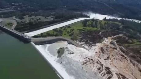 سد ليك أوروفيل الأعلى في الولايات المتحدة شمال كاليفورنيا